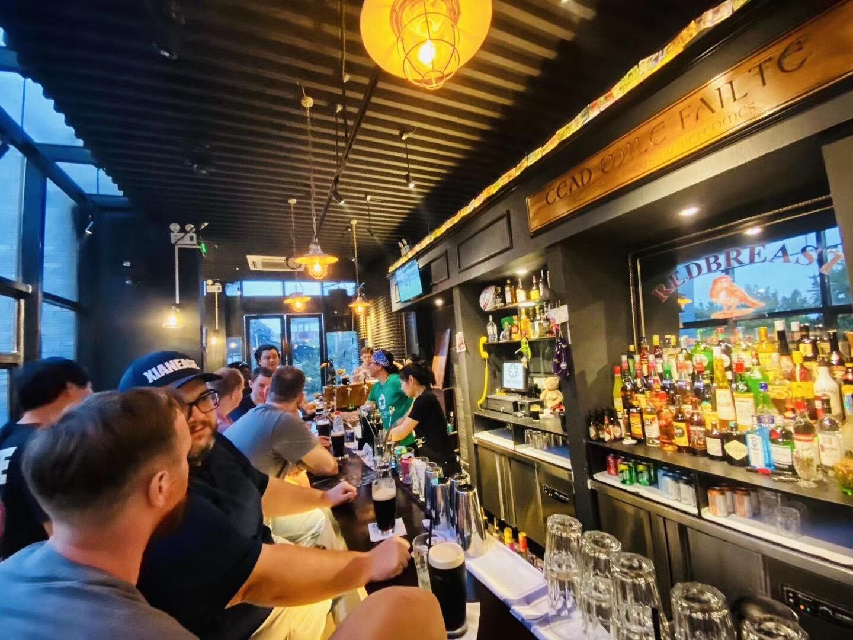 The Craic Irish Pub hey xian 1